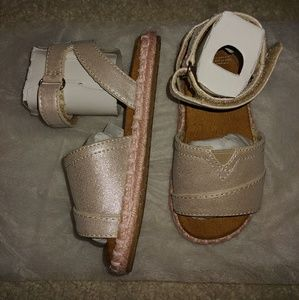 Toms Males Pale Gold Shimmer Kids Sandals